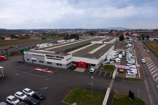 Nouveau parc dédié aux véhicules utilitaires chez Bernardtrucks à Villefranche / Saône